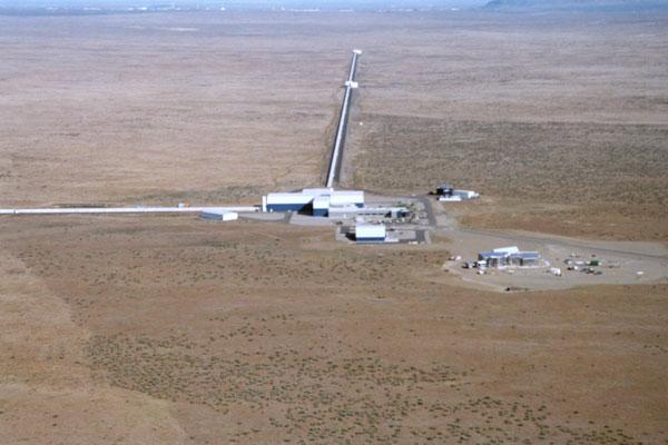 Resultado de imagen para Detector de Ondas Gravitacionales